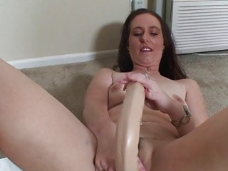 aged chick loving her sex toys