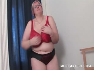 aged bbw in glasses works her biggest pointer