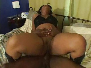 ebony milf acquires screwed inside abode by black