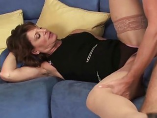sexy d like to fuck hoe sucks her sons allies