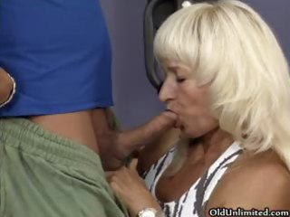 Hot mature slut goes crazy getting her part2