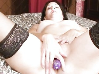 Dildo craving milf pounding pussy with toy