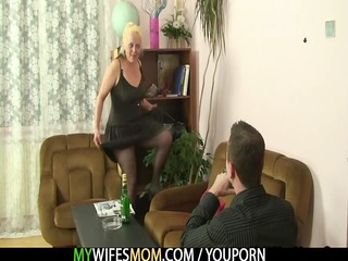 nasty mom receives shagged after photosession