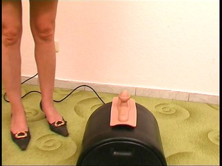 Mature German rides the sybian - KLBR Produktion