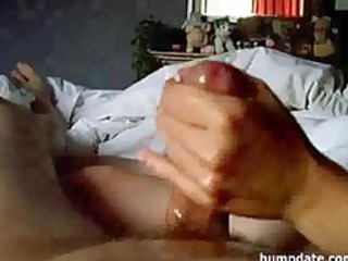 amateur wife gives handjob with large jizz flow