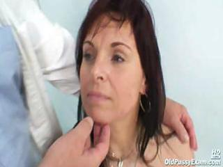 older livie visiting her gyno doctor for pussy