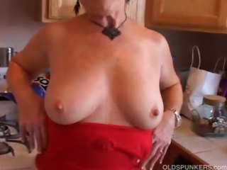 very hawt grandma has a soaking soaked fur pie