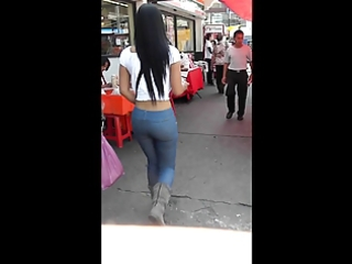 big beautiful woman caminando hot grandes nalgas