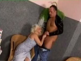 Granny fucked in the waiting room