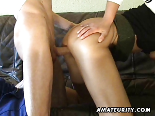 amateur mother i toys her pussy, sucks and