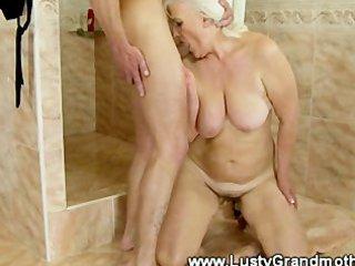 mature dilettante granny sucks then screwed by