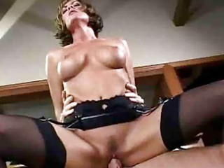 d like to fuck tramp with large mangos in nylons