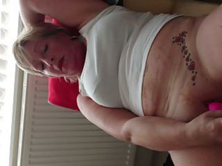 milfs tattooed pussy quivers to big o