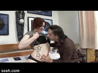 musician shows his milf readhead fan the way of