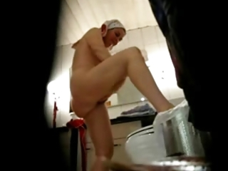 watch my shaggy mom fully stripped in bath room.