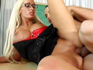 oral-sex lessons with milfs in glasses