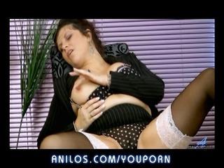 bigtit cougar rubs her juicy pussy